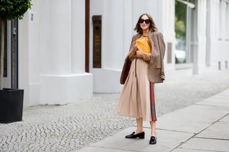 Trendy jesień-zima 2021/2022: modne spódnice. 5 modeli, dla których stracimy głowę w nowym sezonie