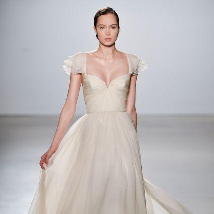 e6ab16fb Suknie ślubne (strona 14) - Elle Wedding - trendy wiosna lato 2019 ...