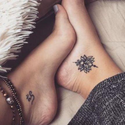 Tatuaże Na Stopie Ellepl Trendy Jesień Zima 2019 2020