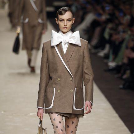 8125855193d40 fendi - Elle.pl - trendy wiosna lato 2019: moda, modne fryzury, buty ...