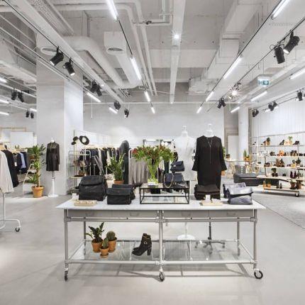 4d175ec94a zakupy przez internet - Elle.pl - trendy wiosna lato 2019  moda ...