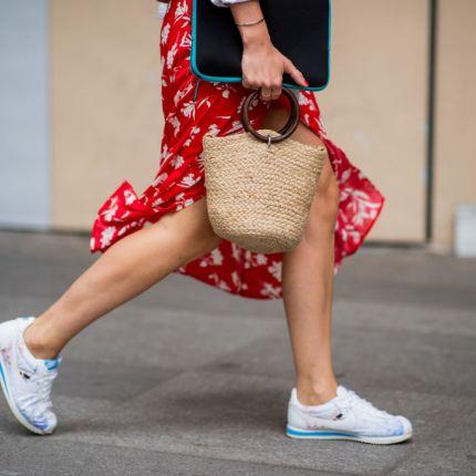 270651bd paryżanka - Elle.pl - trendy wiosna lato 2019: moda, modne fryzury ...