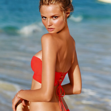 Magdalena Frąckowiak w lookbooku Victoria's Secret Swim