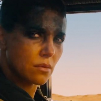 Charlize Theron i Rosie Huntington-Whiteley w filmie Mad Max:Fury Road