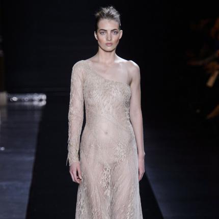 e60962a161 pokazy mody (strona 64) - Elle.pl - trendy jesień zima 2018  modne ...