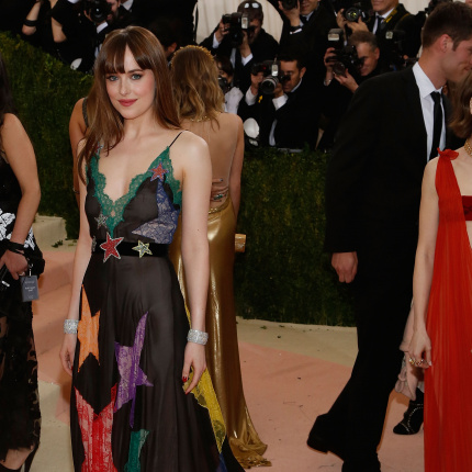 Dakota Johnson, Hari Nef i Petra Collins - nowe kobiety Gucci