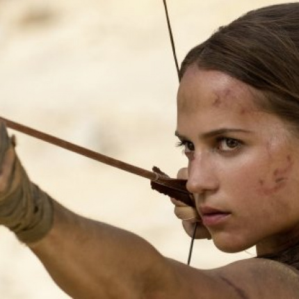 Alicia Vikander jako Lara Croft. Plakat i wideo do Tomb Raider!