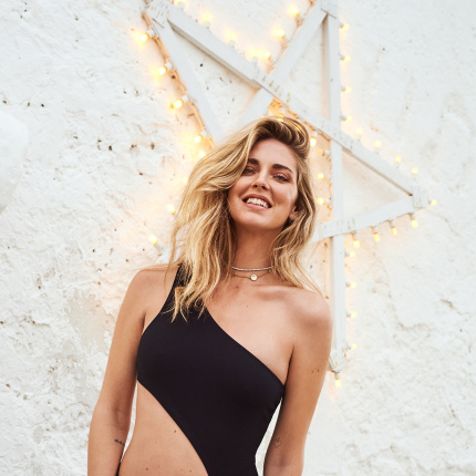 07c16ccce8b78c 21.05.2018 - Moda · Chiara Ferragni w kostiumach kąpielowych Calzedonia