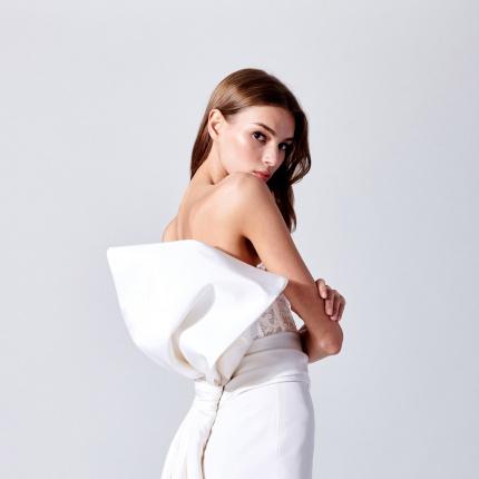 9fa65d08ce 04.07.2018 - Gwiazdy · Suknie ślubne Oscar de la Renta wiosna-lato 2019