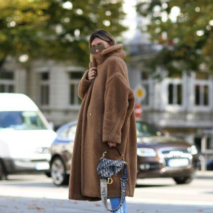 beb5f85e7600a 09.11.2018 - Moda · Teddy coat - pluszowy płaszcz na jesień i zimę 2018/2019