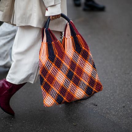 cdb68e9b42451 torebki - Elle.pl - trendy wiosna lato 2019: moda, modne fryzury ...