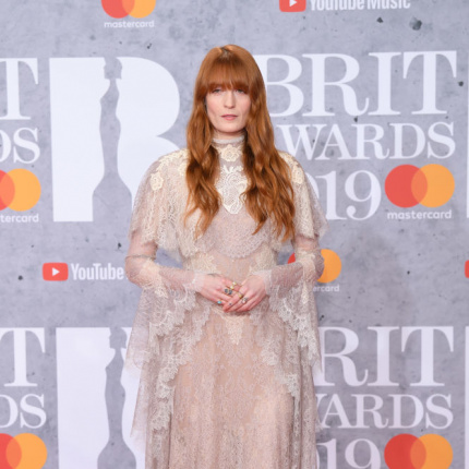 Florence Welch na BRIT Awards 2019 [ELLE Spy]