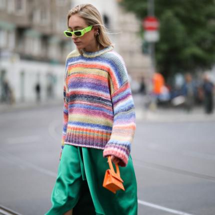 """Brzydkie swetry"""" to hit na Instagramie, który pokochacie"""