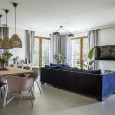 Granat i szczypta boho szyku w podwarszawskim domu, projekt: Malwina Morelewska