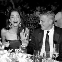 Amal Clooney: pierścionek zaręczynowy