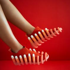 Sneakersy Netina, autorstwa Nethy Goldberg.
