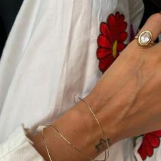 Blanca Miro w bransoletce od Rosa Chains