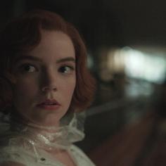 """""""Gambit królowej"""" to nowy serial Netflix, który trzeba zobaczyć"""