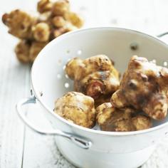 Topinambur: co to za warzywo, jak smakuje i co można z niego przyrządzić? 5 przepisów z topinamburem