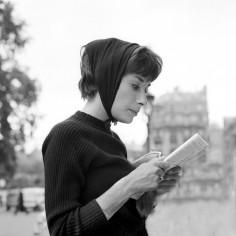 Książki dla kobiet: ambitna literatura kobieca, po którą warto sięgnąć [ranking]