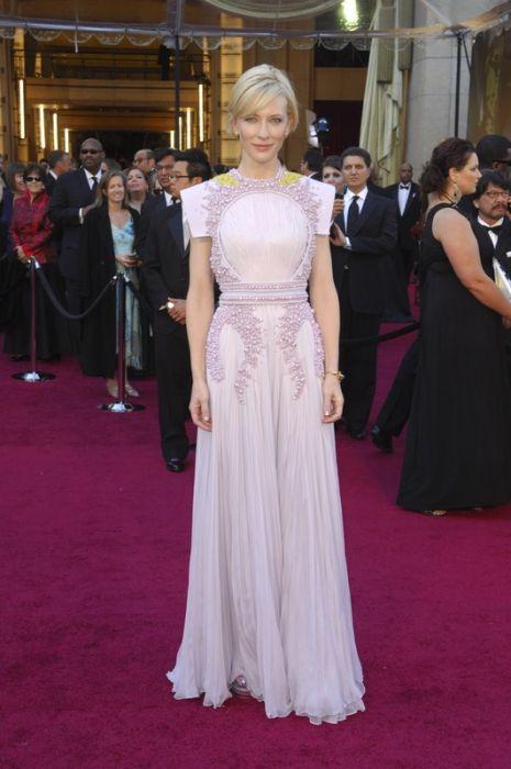 ab105a3046 Cate Blanchett w sukni Givenchy Haute Couture na razdaniu Oscarów w 2011  roku