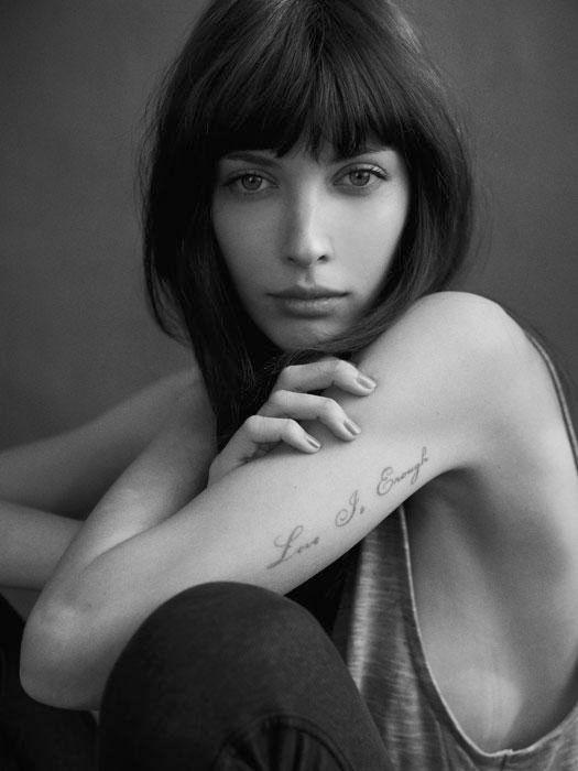 Tatuaże Napisy Ellepl Trendy Jesień Zima 2018 Modne Fryzury