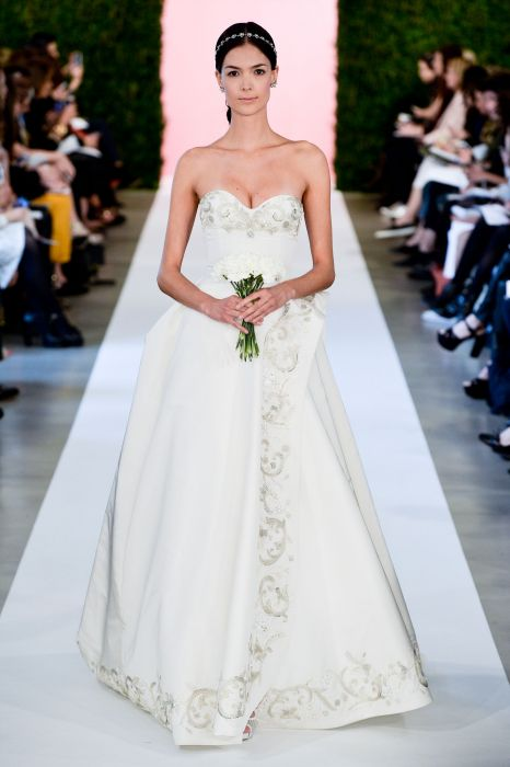 0682390cbe Suknie ślubne 2015  Oscar de la Renta wiosna 2015 - Elle Wedding ...
