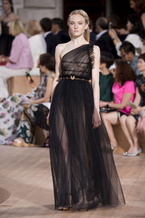 Valentino haute couture jesień-zima 2015 2016 - Elle.pl - trendy ... f3ea1883178