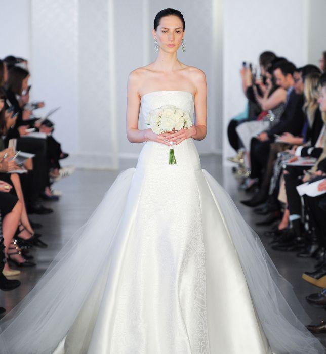 e074011ca2 Suknie ślubne Oscar de la Renta wiosna 2017 - Elle Wedding - trendy ...