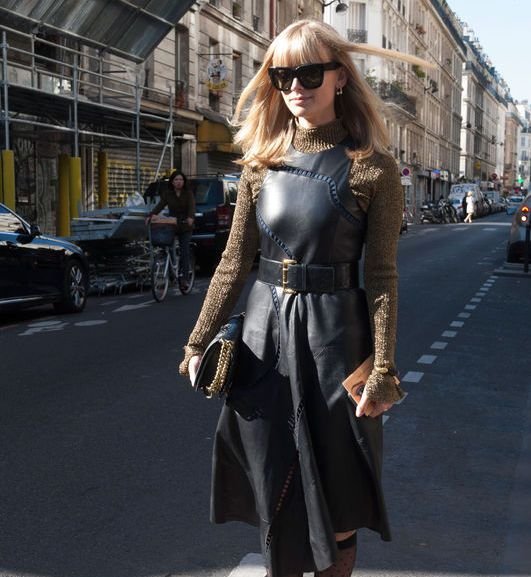 5d5ffd8bb515 Modne sukienki do pracy - Elle.pl - trendy wiosna lato 2019  moda ...