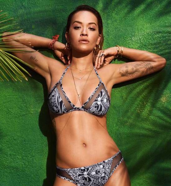 3e17be9381 Rita Ora w kampanii Tezenis - kostiumy kąpielowe lato 2017 - Elle.pl ...