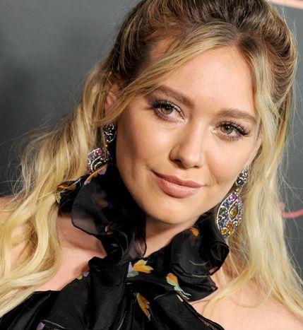ec88d9db Hilary Duff nie ma idealnego ciała i nie wstydzi się tego - Elle.pl ...