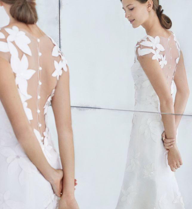 Suknie ślubne Carolina Herrera Jesień Zima 20182019 Elle Wedding