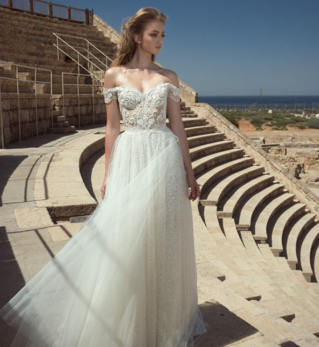 2d094051 Suknie ślubne Dany Mizrachi wiosna 2018 - Elle Wedding - trendy ...