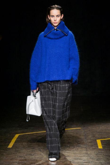 42f89c639af13 Boss jesień-zima 2018/2019 - Elle.pl - trendy wiosna lato 2019: moda ...