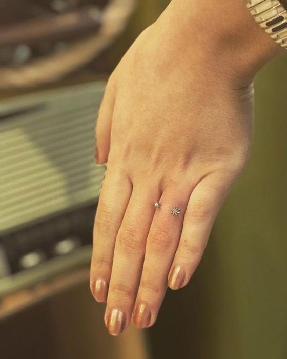 Finger Piercing Nowy Trend Zaręczynowy Który Zostawia ślad Na