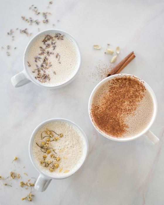 9246531cb78c6 Moon milk - zdrowy napój, który pomoże wam zasnąć - Elle.pl - trendy ...