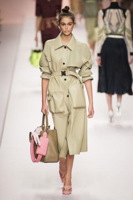 c94985b4a95e8 Fendi wiosna-lato 2019 - Elle.pl - trendy wiosna lato 2019: moda ...