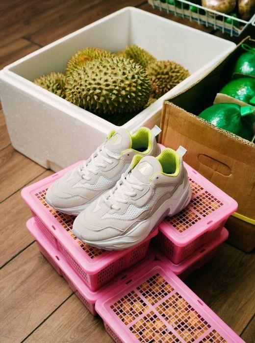 85f0a8a15a548 Sneakersy Zara - hiszpańska sieciówka stworzyła specjalną kolekcję ...