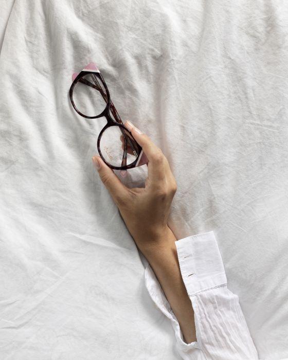 bd0725bac149e8 Okulary z duszą retro. Kolekcja Belutti jesień-zima 2018/2019 - Elle ...