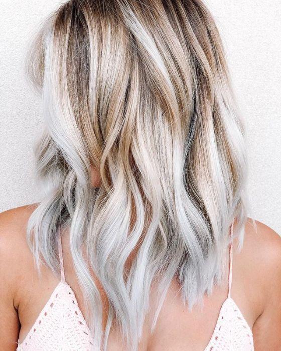 Toasted Coconut Blonde Modny Kolor Włosów Trendy 2019 Ellepl