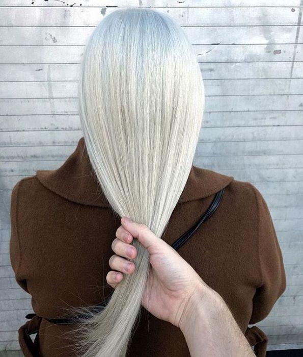 Icy White Modny Kolor Włosów Trendy 2019 Ellepl Trendy