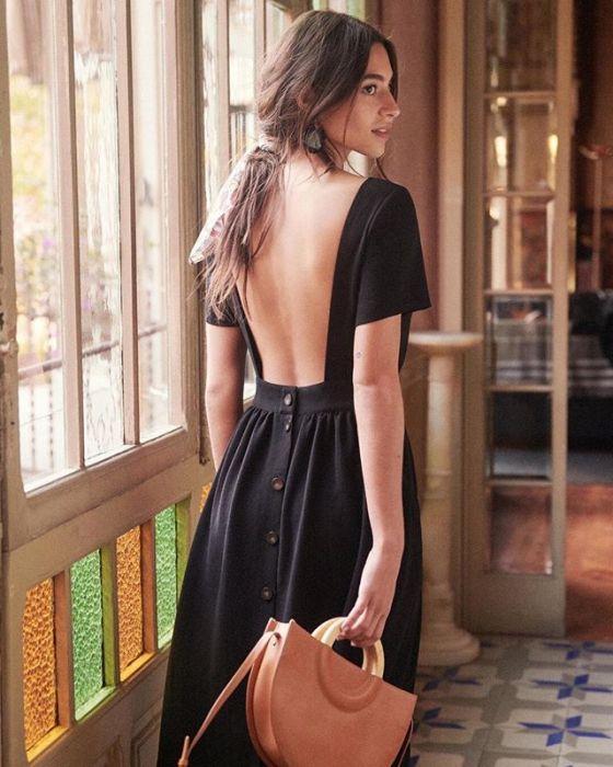 1d6fc94dd3 10 najpiękniejszych sukienek z odkrytymi plecami na wiosnę 2019 ...