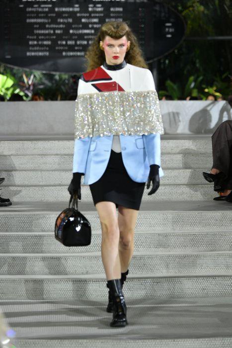 dc07bdd6aa78a Louis Vuitton Resort 2020 - Elle.pl - trendy wiosna lato 2019: moda ...