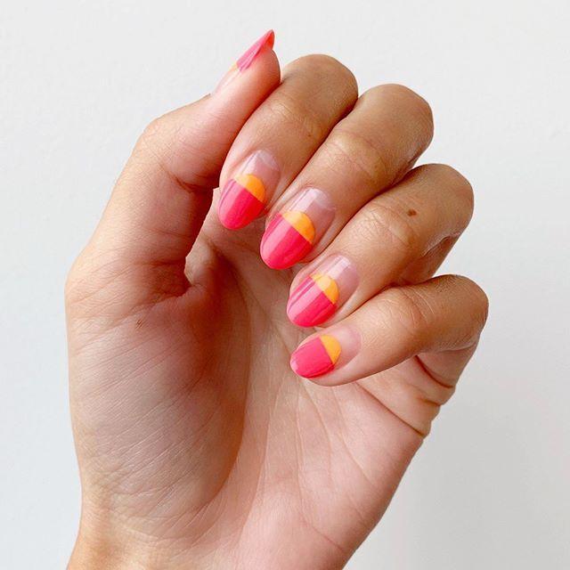 Modne paznokcie na lato 2019 w geometryczne wzory