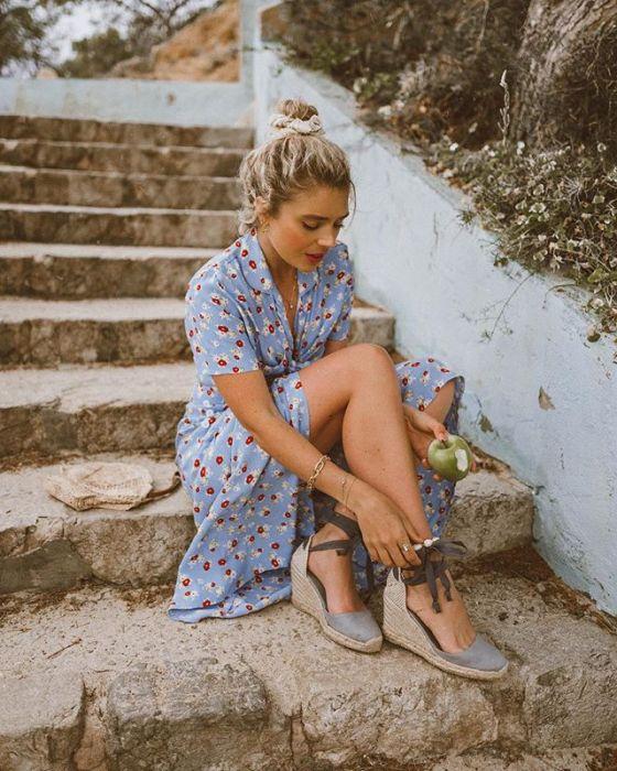 2361397159b27 Modne sandały na koturnie na wiosnę i lato 2019. Wybieramy ...