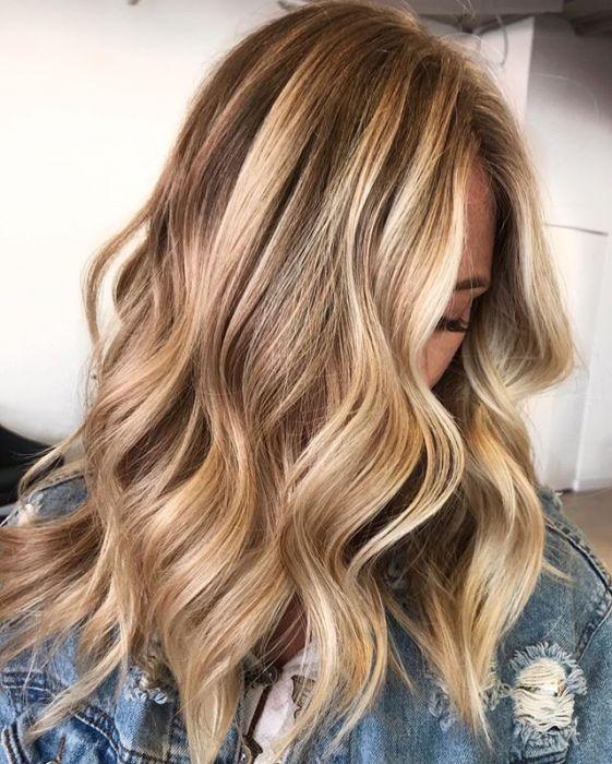 Refleksy Na Włosach Ciemnych I Blond Przegląd Modnych