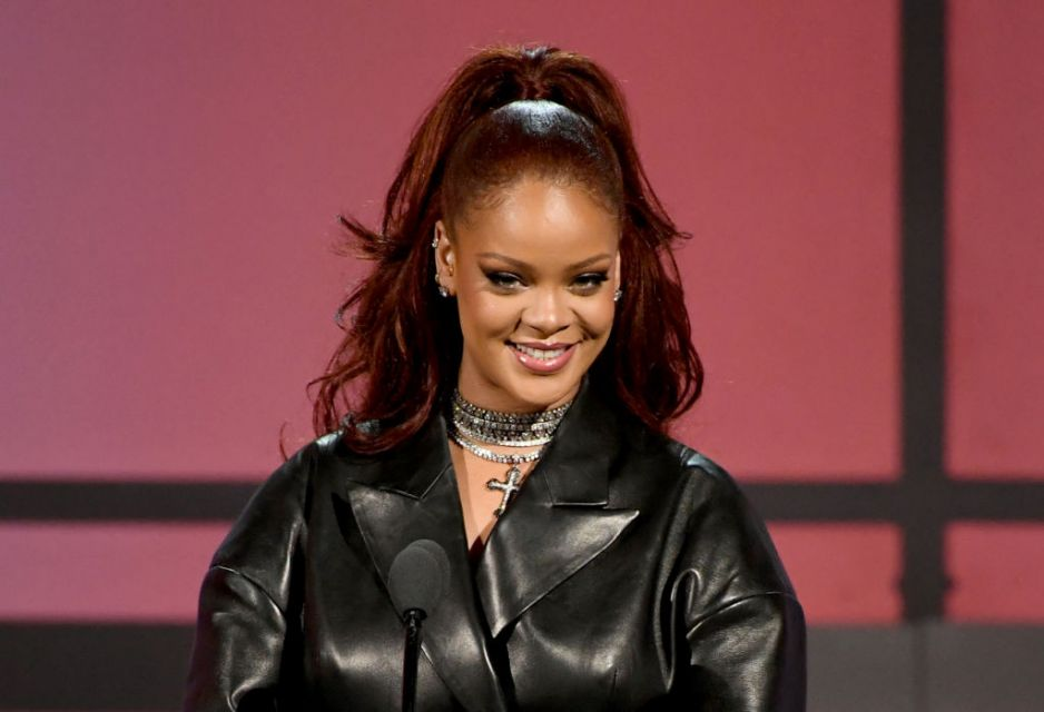 Rihanna seks analny junior girla