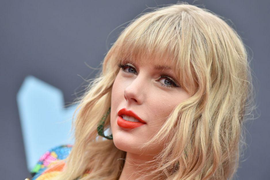 Taylor Swift seks analny asian mający gwiazdę porno sex