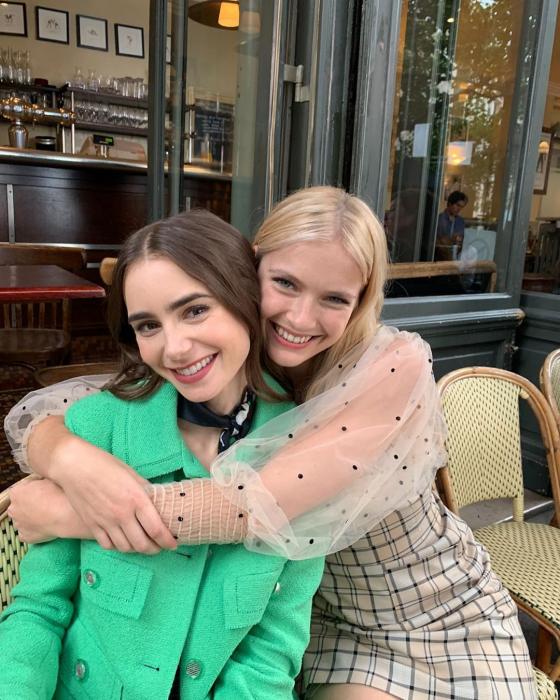 """QUIZ: Którą bohaterką z serialu """"Emily in Paris"""" jesteś?"""